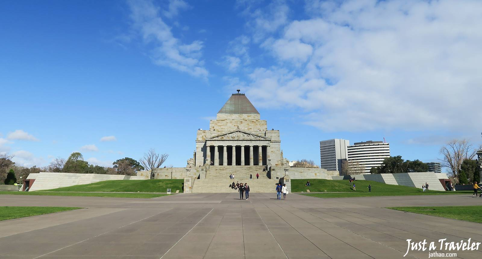 Melbourne-Shrine of Remembrance-CBD-Attraction-Recommendation-Map-Itinerary-Tourism-Independent Travel-Travel Blog-Must visit-Must See