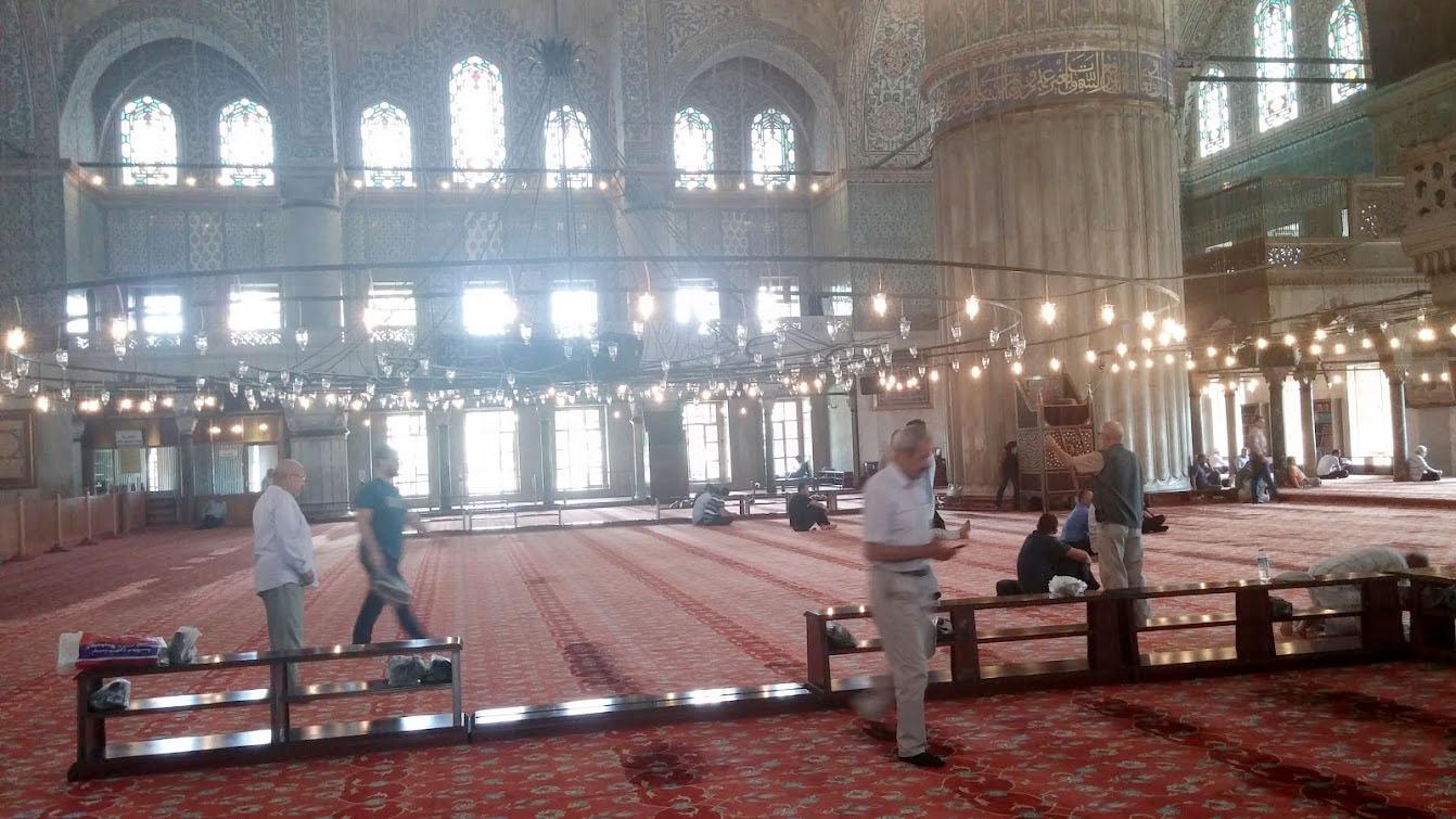 sultan ahmet camisini ziyaret eden uygur Resimleri ile ilgili görsel sonucu