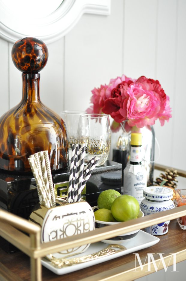 This Target bar cart looks stunning when styled with curated accessories. All the accessories are from discount stores, but all together they look luxe. So pretty and practical! Via monicawantsit.com