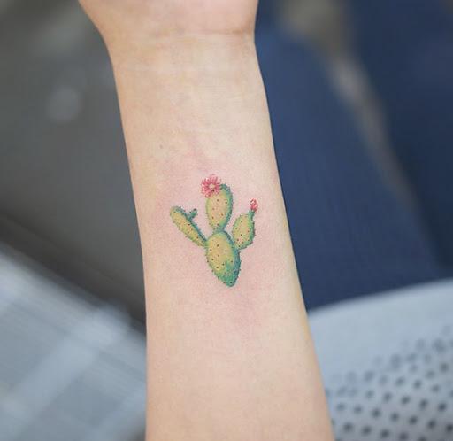 Este adorável cacto tatuagem