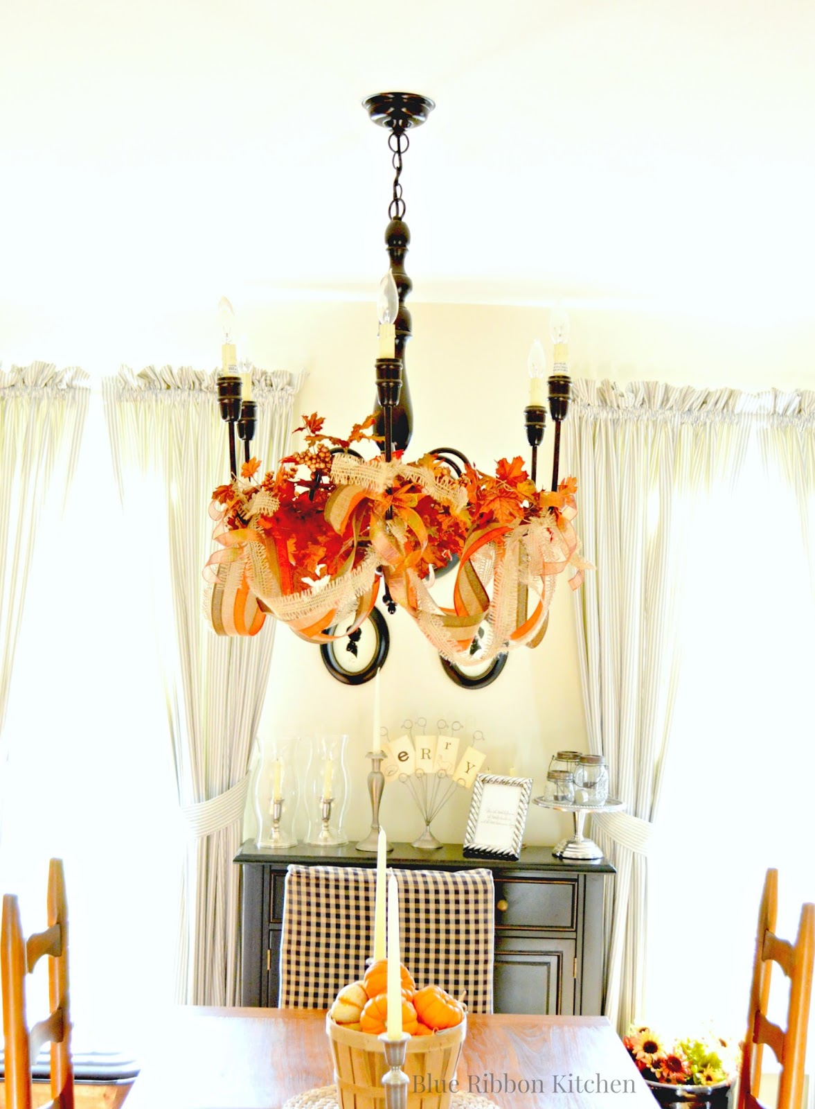 Blue ribbon kitchen thanksgiving chandelier and big news doing live recipe segments arubaitofo Image collections