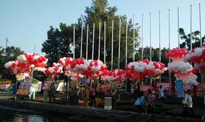Balai Kota Jakarta, Dibanjiri Ribuan Balon Warna-warni Untuk AHOK
