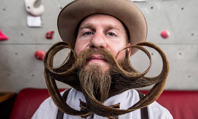 Barba penteada