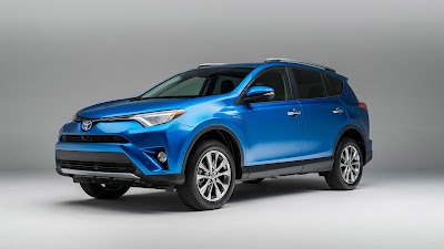 2017 Toyota RAV4 Hybrid side angle  HD Photos  0