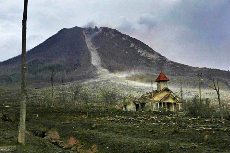 İzmir'deki cinli köyde birçok defa kendiliğinden oluşan yangın vakası ihbar edilmiştir.