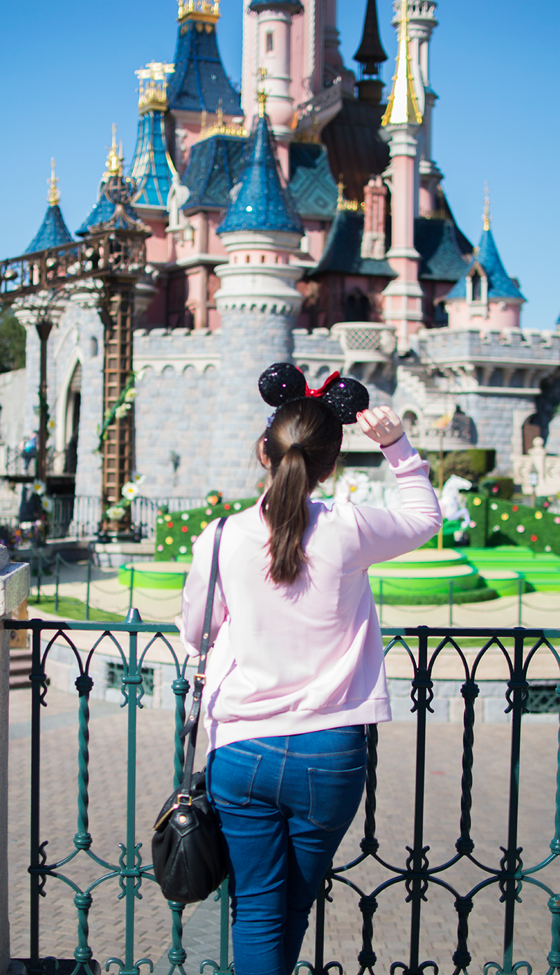 How to wear a pink bomber jacket at disneyland