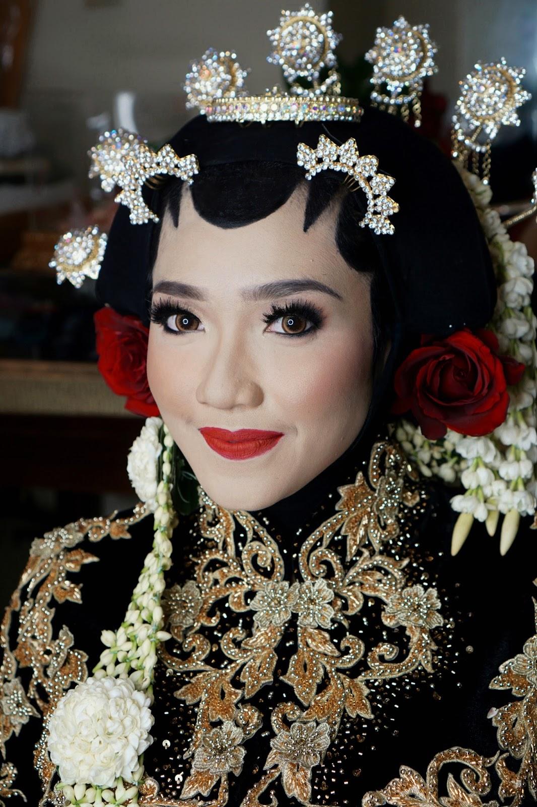 18 Ide Populer Make Up Pengantin Jawa Berhijab