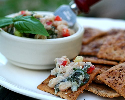 Tuna & White Bean Dip ♥ AVeggieVenture.com, crowd pleaser, high protein.