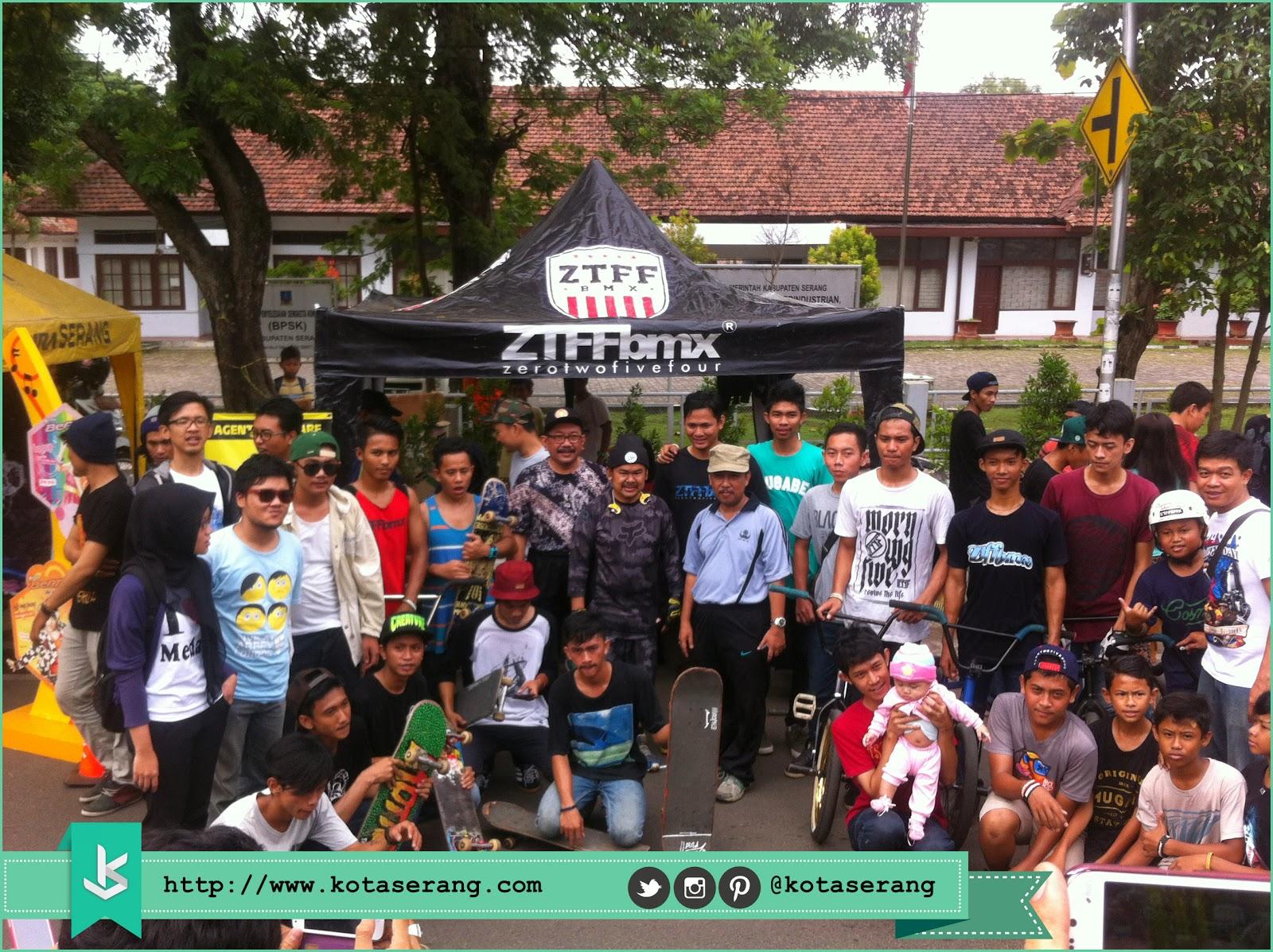 Walikota Serang Foto Bareng dengan Komunitas BMX, Komunitas Skateboard dan Komunitas Akustik Kota Serang