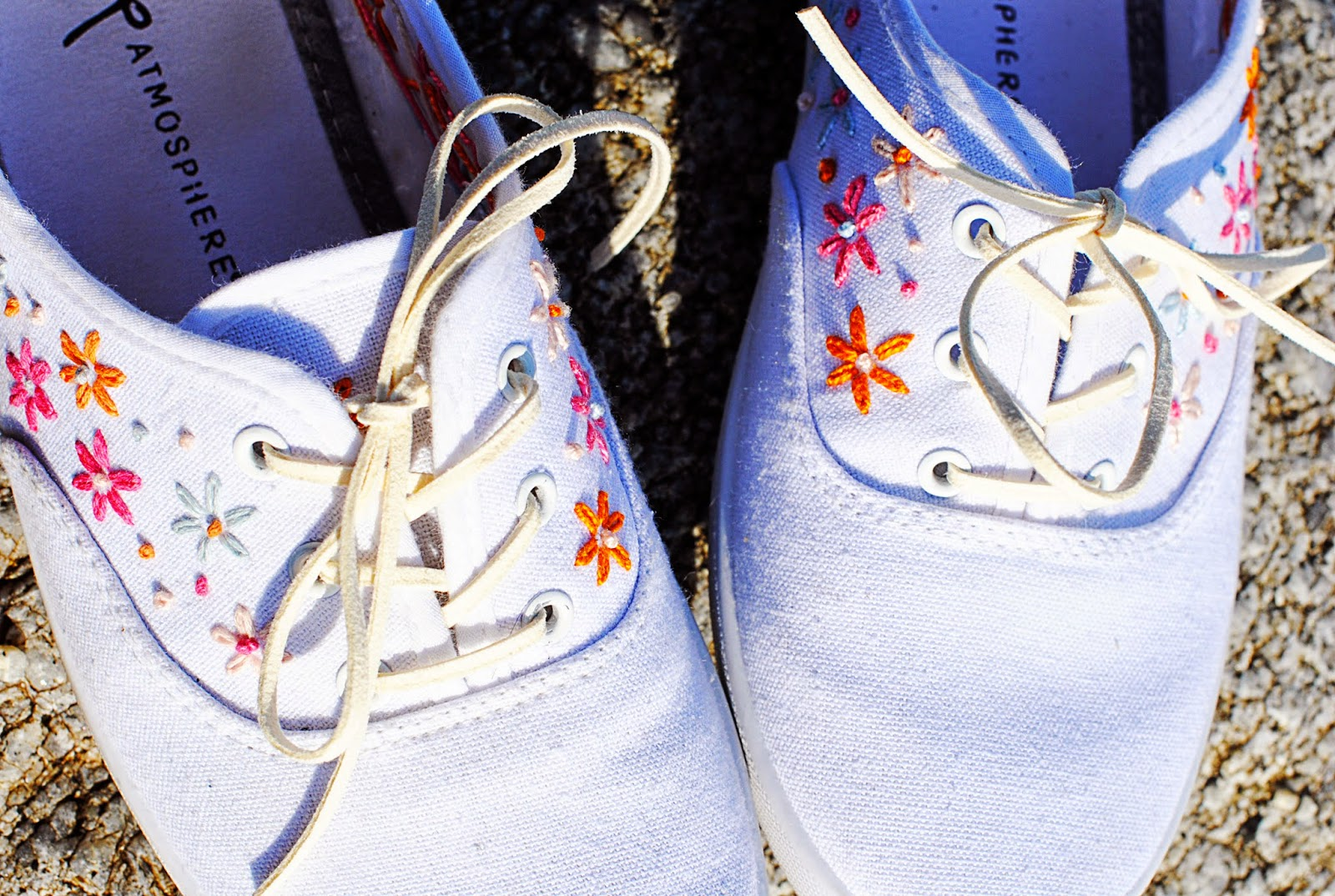All Tangled Up | DIY EMBROIDERED CANVAS SHOES BY THE SEA - Motte