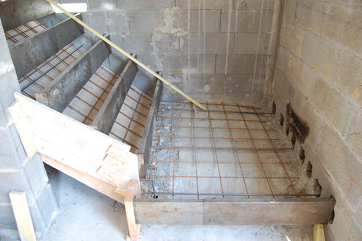 pin coffrage escalier on pinterest. Black Bedroom Furniture Sets. Home Design Ideas
