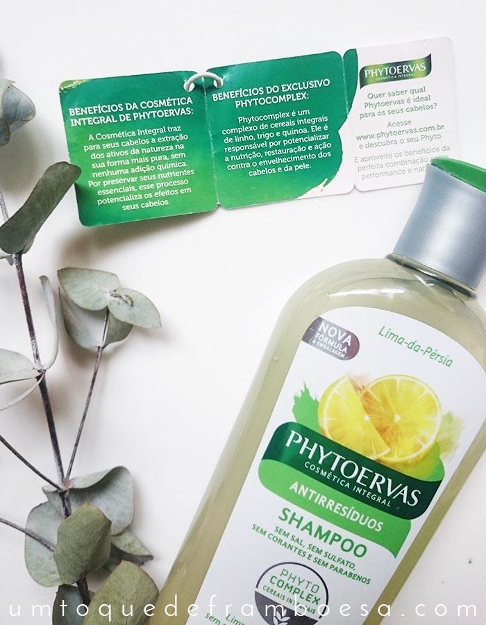 Resenha do shampoo antirresíduos Phytoervas Lima da Pérsia, que promete limpar profundamente o cabelo e o couro cabeludo sem ressecar os fios.