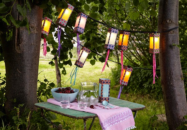 Twelve Inspiring DIY Projects - Christmas Lanterns from old milk or juice cartons