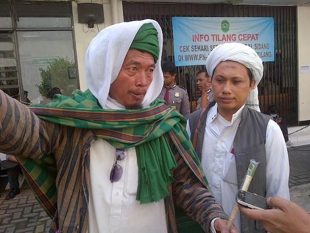 Ikut Hadir Dalam Persidangan, Dua Orang Jamaah Tabligh Ajak Ahok Masuk Islam
