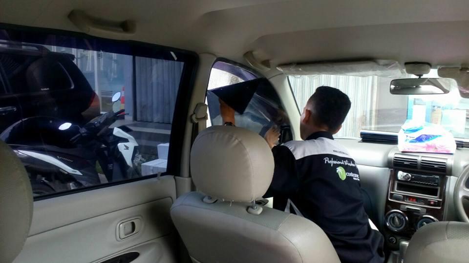 quot;jasa pasang kaca film 3M™ untuk mobil Toyota Avanza