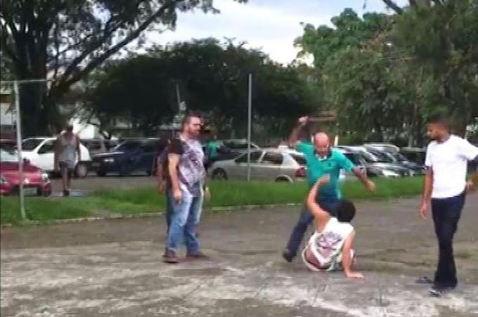 COVARDIA - Vigilante leva socos e golpes de cinto após boato em prefeitura de SP