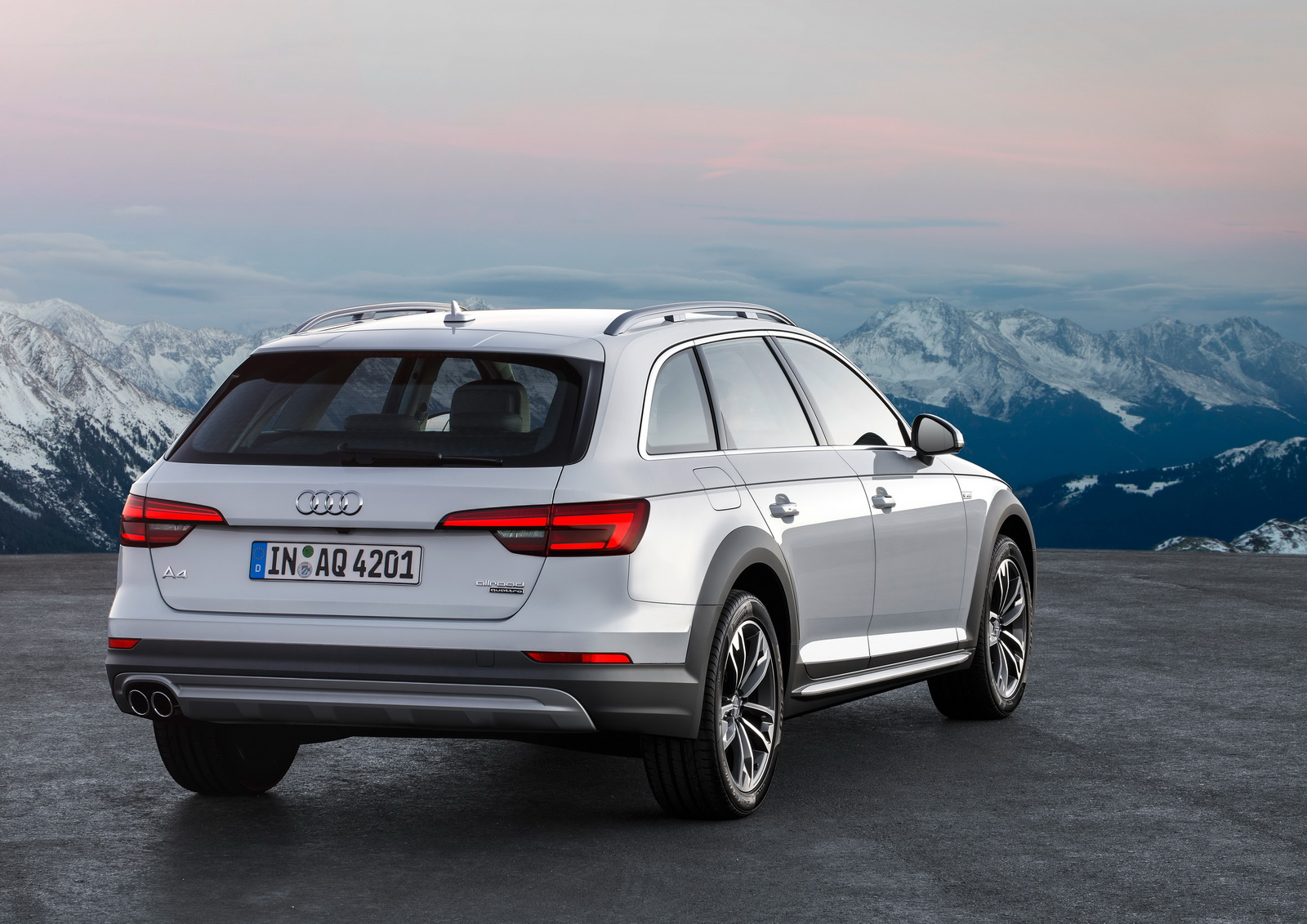 2017 audi a4 allroad coming this fall in usa priced from 44 950. Black Bedroom Furniture Sets. Home Design Ideas