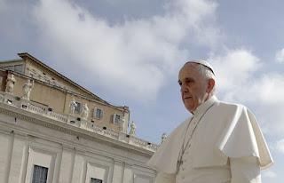 Francisco entra no quinto ano como papa com a Igreja Católica dividida