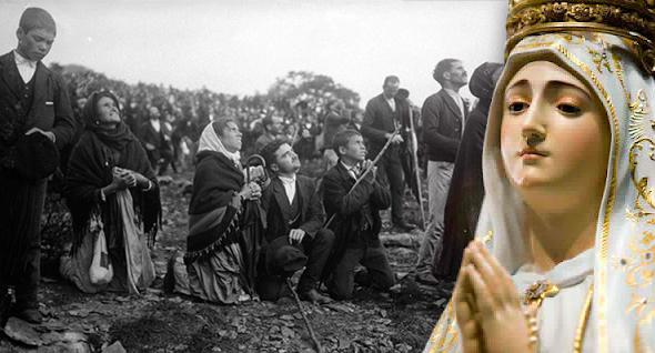 Virgem de Fátima com testemunhas das aparições de 1917 em Portugal