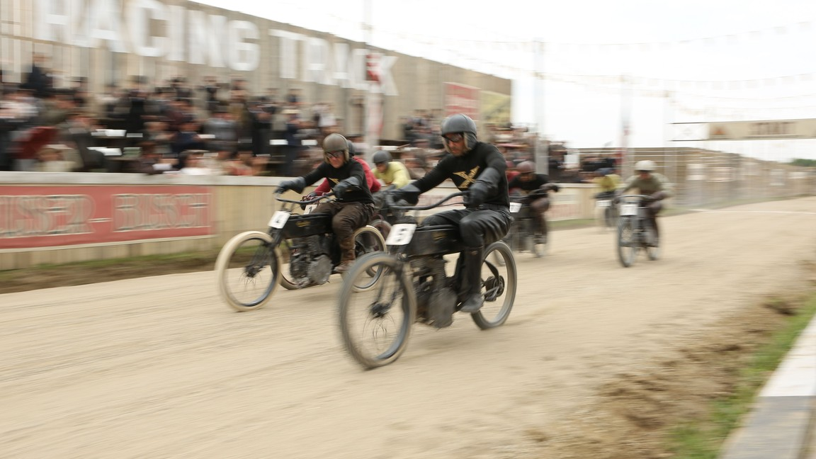 Harley and the Davidsons - Season 1 Episode 02: Race to the Top