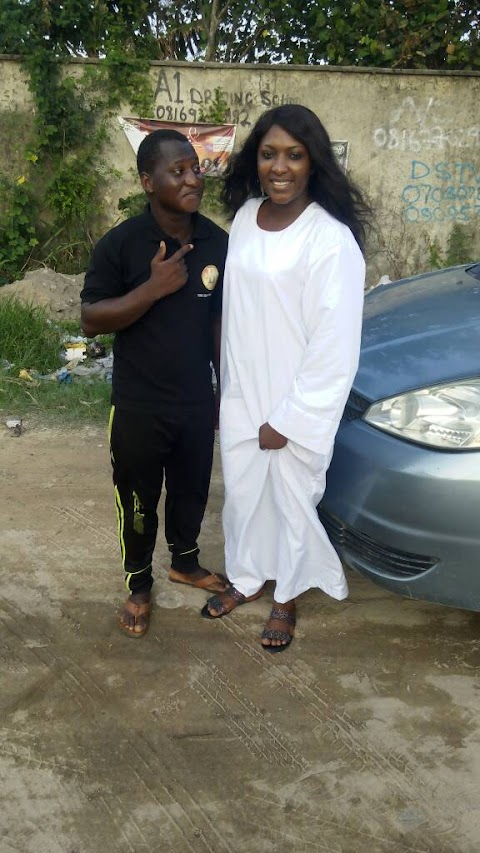 BEEHIVE GIST: PICTURES - BAFFLOW WAZIRI ON SET FOR A MOVIE SHOOT
