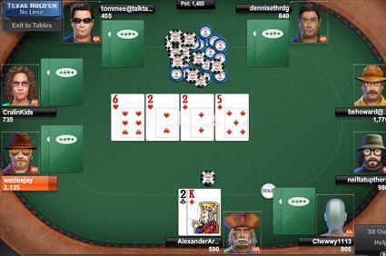 Amadorrodriguezlozano Memegang Texas Holdem Poker Game Partai Card Sendiri