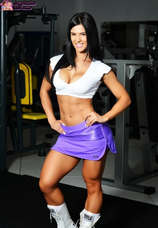 Eva Andressa  de sainha fitness