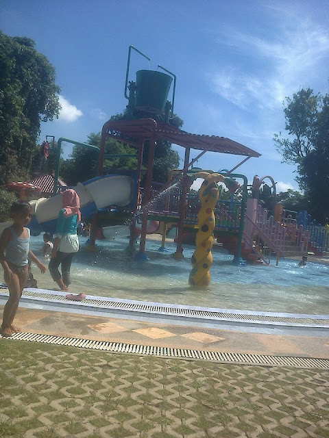 Dander Water Park - Dander, Bojonegoro_Photo by Putri Stya
