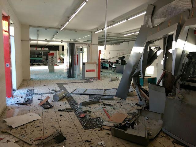 Banco Santander é explodido por bandidos em Ribeirão