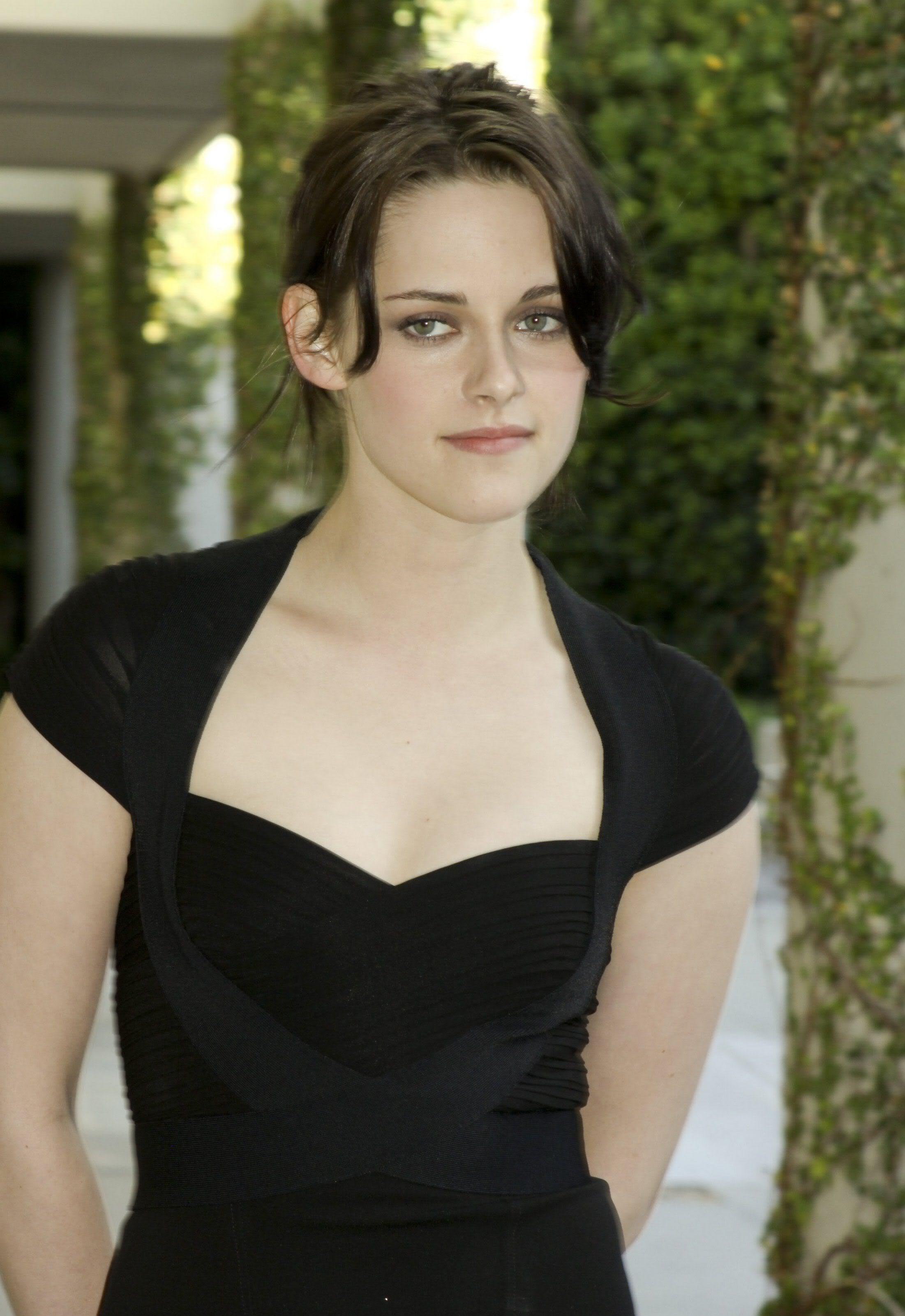 Kristen Stewart Pictures Gallery (48)