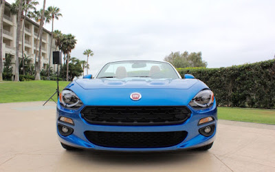 2017 FIAT 124 Spider front look