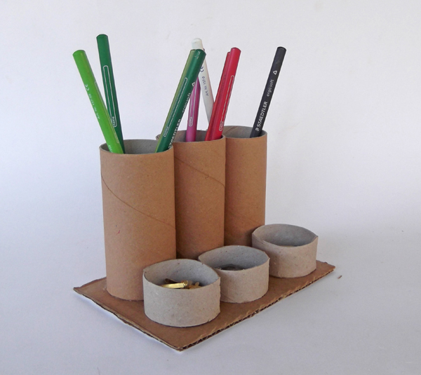 Craftsboom.com: Toilet paper roll pencil holder/ organizer