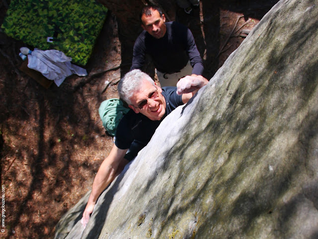 Eric Ghersen, dans l'Egoïste, 6c+, Gorges d'Apremont, Fontainebleau, (C) 2014 Greg Clouzeau