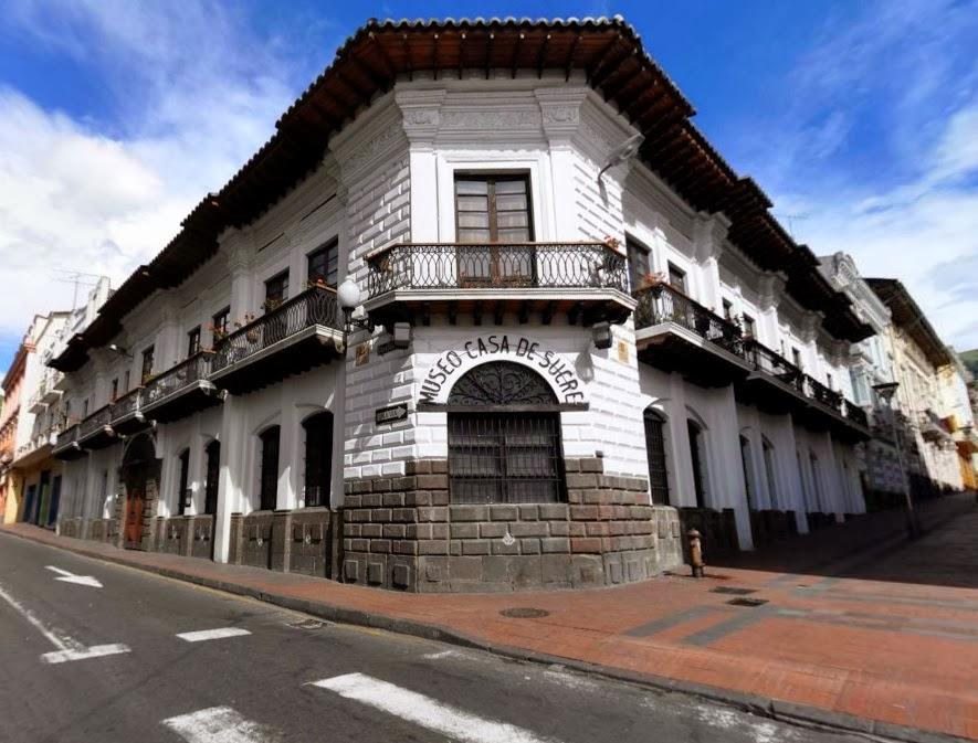 Los Ladrillos De Quito Casa Azul Museo Casa De Sucre