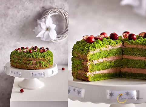 Zielony tort z piernikowym kremem