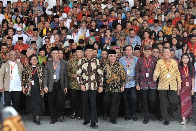 Presiden Jokowi Minta Pemuka Agama Ingatkan Masyarakat Nikmatnya Perdamaian dan Kerukunan - Info Presiden Jokowi Dan Pemerintah