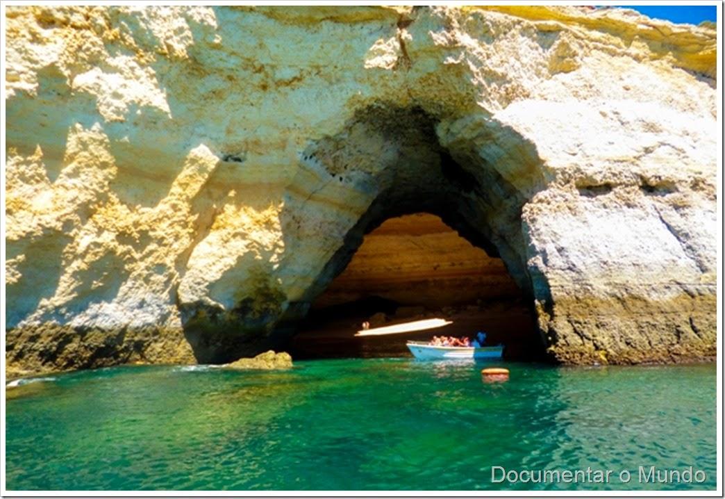 Algar de Benagil;  Praias Algarve; Férias Algarve; Grutas Marinhas no Algarve; Sea Caves Algarve; Grotten Fahrt Algarve