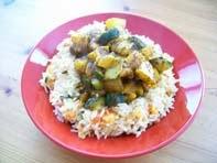 vegan essen in wien - Veganer Gemüse-Reis mit Kartoffel-Zucchini-Curry - Indien (veganes Rezept für 2 Personen) - hauptspeise