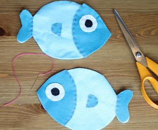 Potongan pola boneka ikan flanel yang telah di jahit