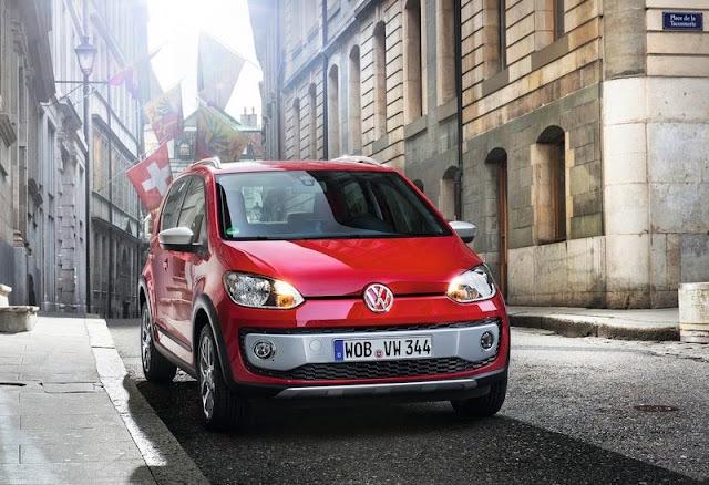 2013 Volkswagen Cross Up Front