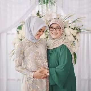 model gaun kebaya jilbab