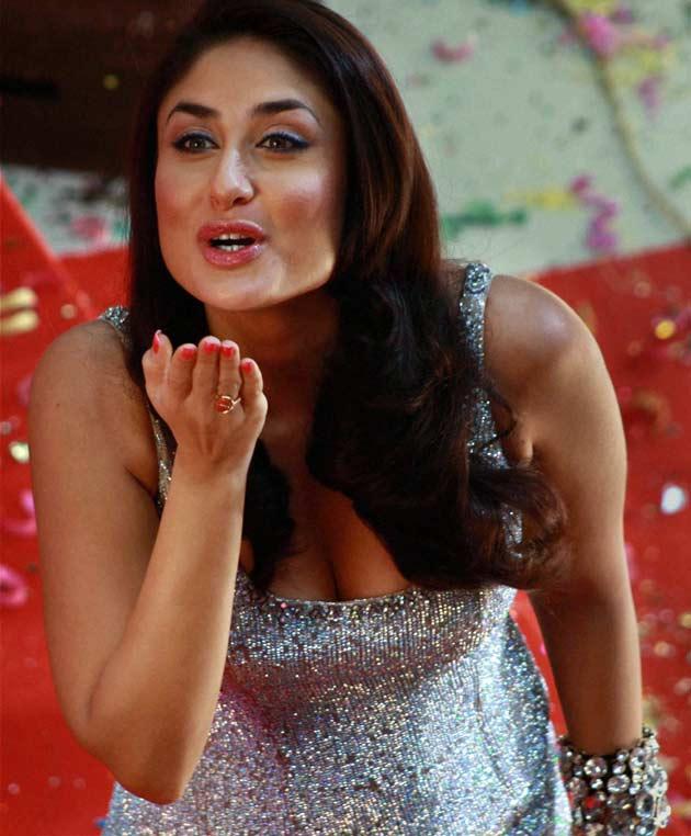 Kareena Kapoor Latest Hot Stills From Heroine Movie Set