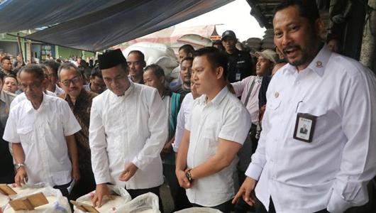 DPR Minta Budi Waseso Usut 6.000 Ton Beras Bulog yang Busuk