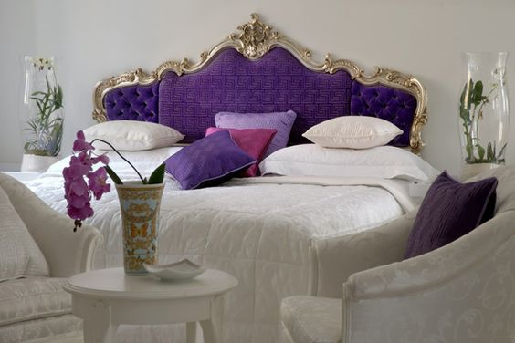 Eye for design decorate with a seating area at the foot of the bed - Seat at foot of bed ...