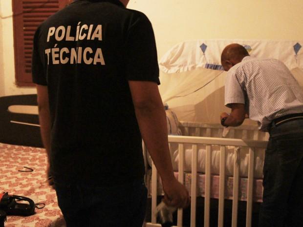 Corpo de criança foi encontrado dentro de berço na zona rural de Itapetinga (Foto: Itapetinga Repórter)