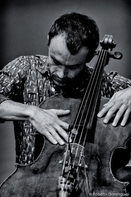 © R.Domínguez - Trio Gaspar Claus, Will Guthrie, Thomas Bonvalet