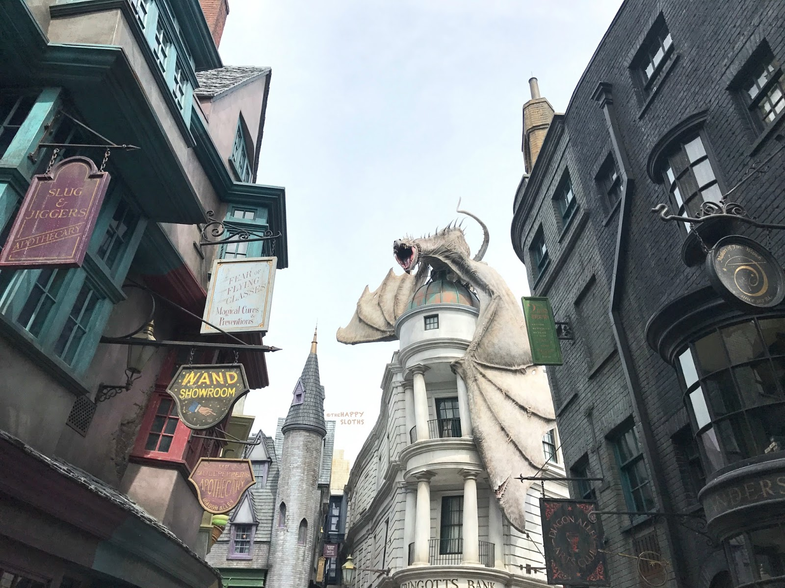 Universal Orlando The Wizarding World of Harry Potter | Diagon Alley Dragon