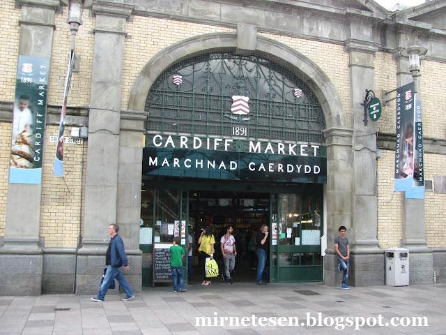 Кардиффский рынок - попробовать валийское печенье