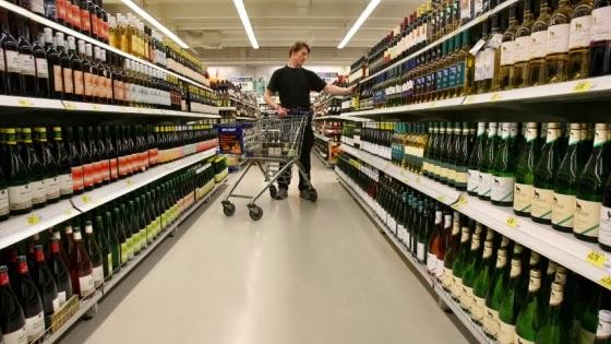 Resultado de imagem para venda de espumantes final de ano supermercados