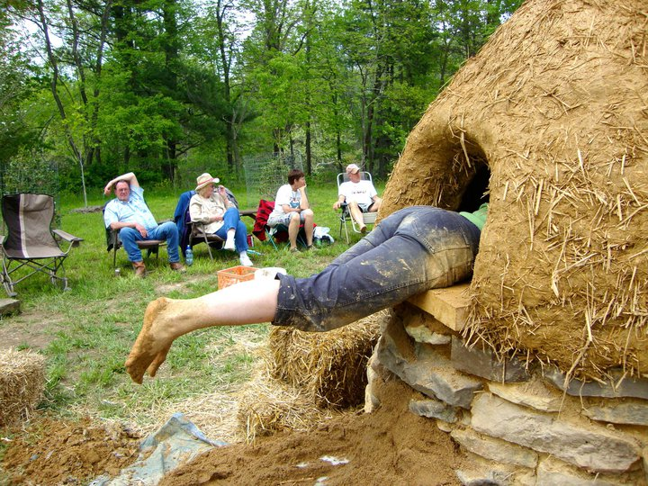 Build Naturally Blog Build A Clay Cob Oven In Your Yard